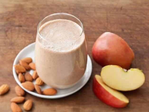 Apple Almond Power Smoothie